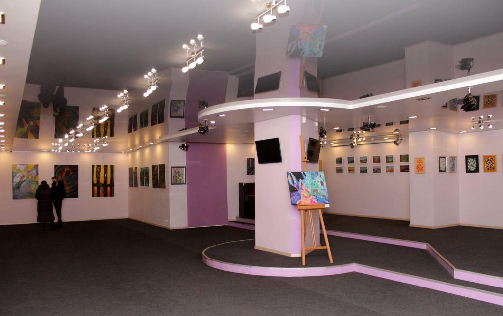 У галереї «Бузок» відкрилась групова виставка живопису