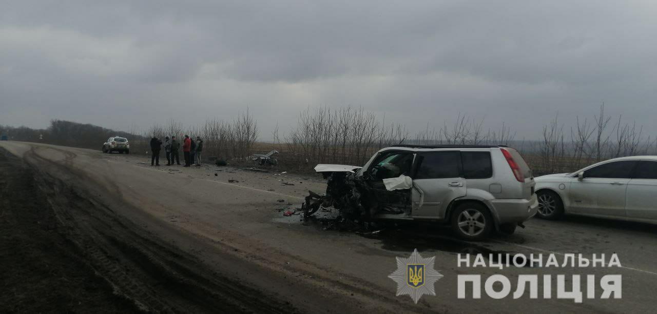 В результаті дорожньо-транспортної пригоди на Харківщині постраждали шестеро осіб