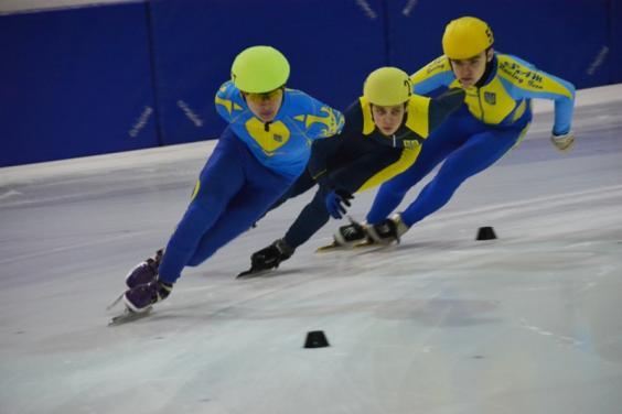 Харків'яни вибороли 18 медалей на чемпіонаті України з шорт-треку серед юніорів