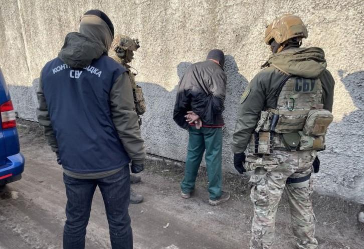 На Харківщині знайшли арсенал зброї та вибухівку, яку готували для терактів