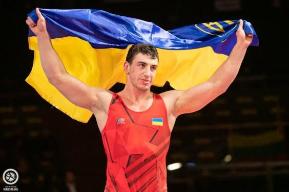 Семен Новіков переміг на міжнародному турнірі з боротьби
