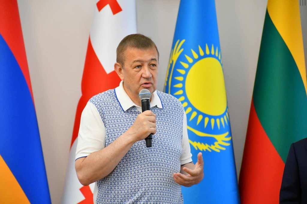 Сергій Чернов привітав учасників тактико-спеціальних навчань для патрульних поліцейських, що проходили у Харкові