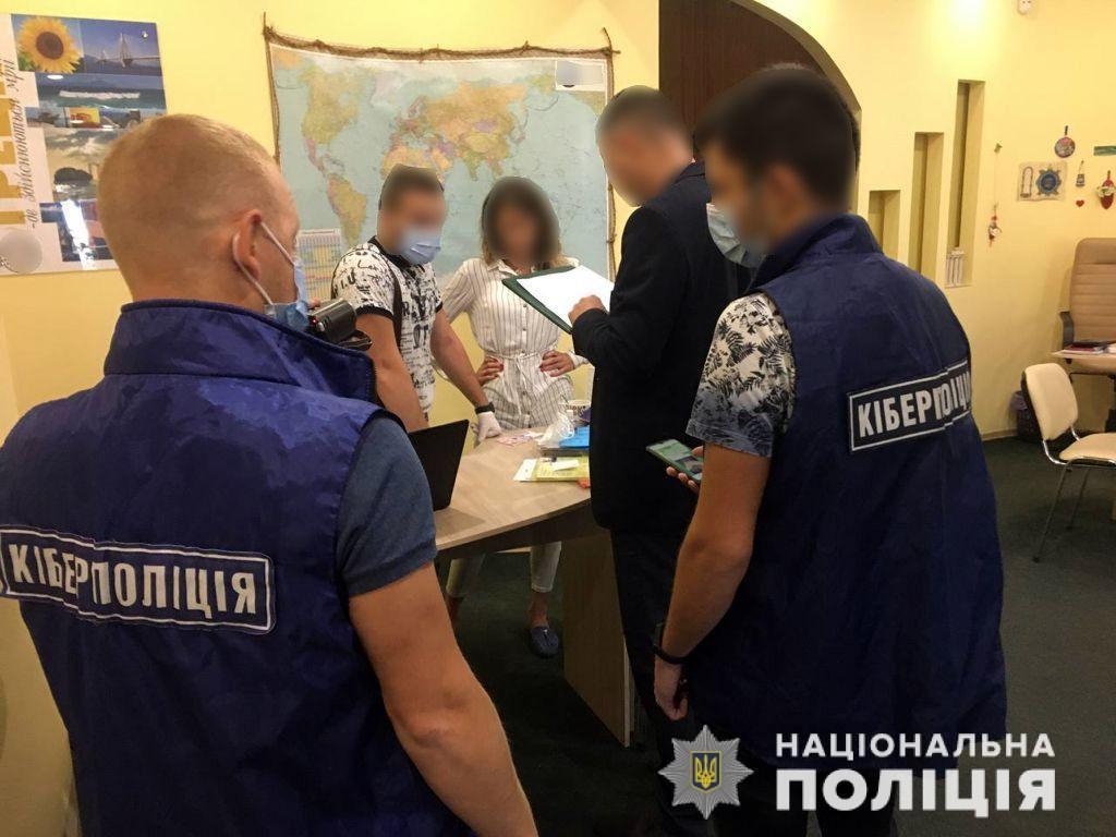 В Україні задокументовано 350 епізодів підробки COVID-сертифікатів