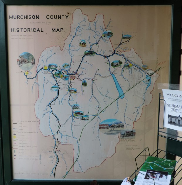 Map of the district in front of the closed museum.