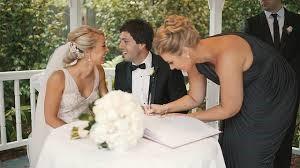 結婚式の証人サイン