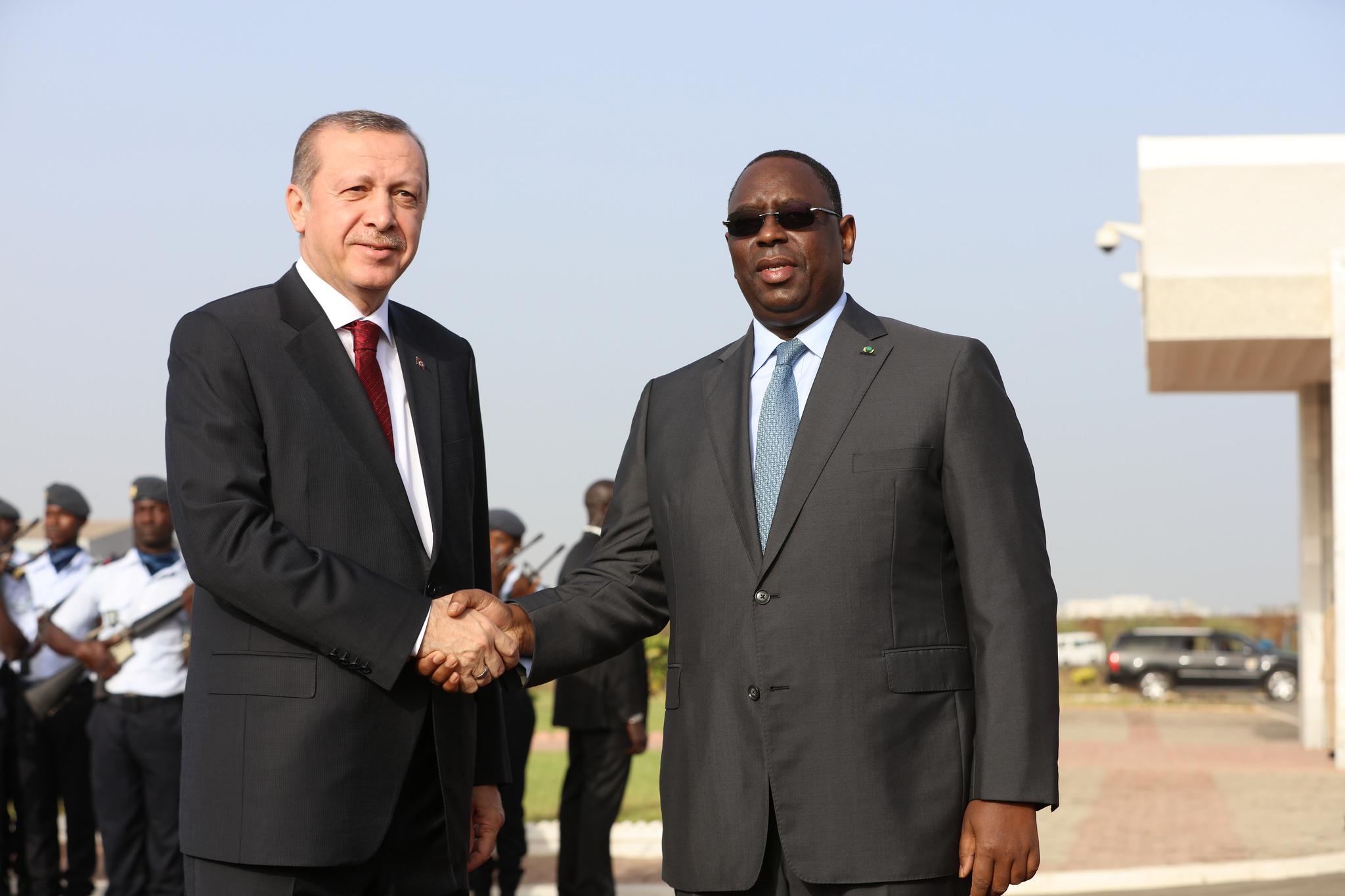 Le Sénégal cède à la pression d'Erdogan — Ecoles Yavuz Selim