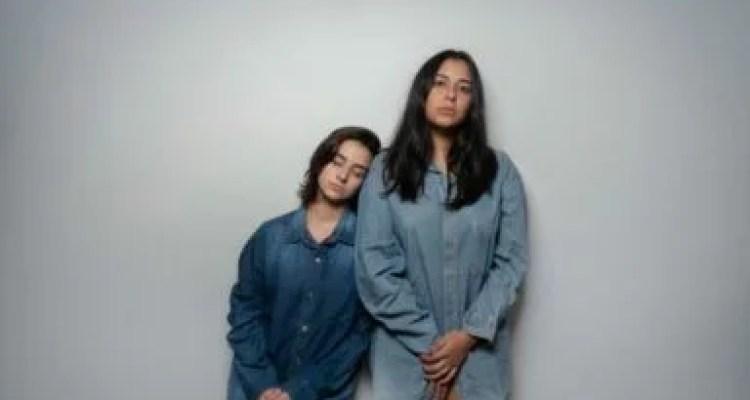 40.04: duas mulheres ansiosas