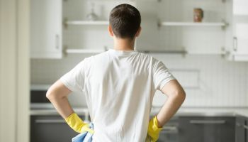 Як полегшити прибирання на кухні: 5 чинників, які варто врахувати