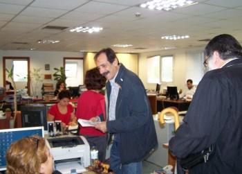 2010/10/18: Στιγμιότυπο από την περιοδεία του Β. Χατζηλάμπρου και Γ. Λύχρου στη Νομαρχία Αχαϊας.