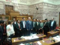 2013/11/07: Στιγμιοτυπο απο τη συναντηση της Επιτροπης Εθνικης Αμυνας και Εξωτερικων Υποθεσεων της Βουλης με αντιπροσωπεια απο την Ινδονησια