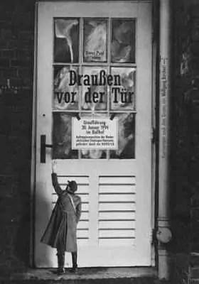 """Plakat der Oper """"Draußen vor der Tür"""""""
