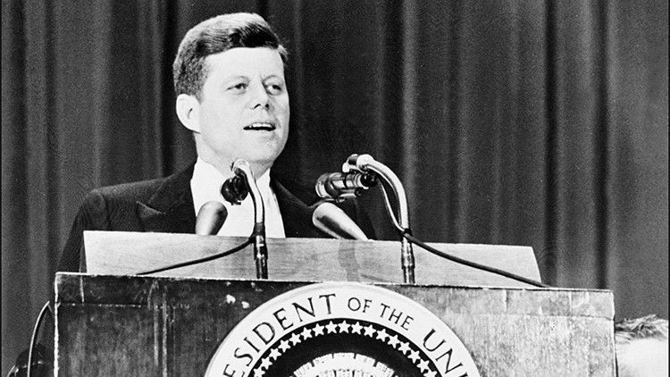 """""""A Kennedy lo mató la mafia bajo la supervisión de la CIA, y el FBI lo sabía semanas antes"""" – RT"""