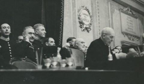 El intento de agresión en el Congreso tras cantarse La Internacional que empujó a España a la Guerra Civil
