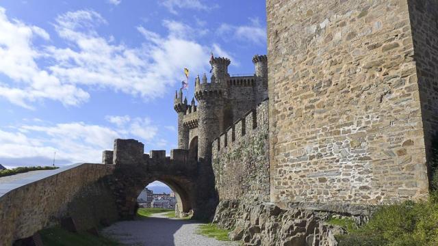 Castillo templario de Ponferrada, en la provincia de León. (mmmmngai@rogers.com)