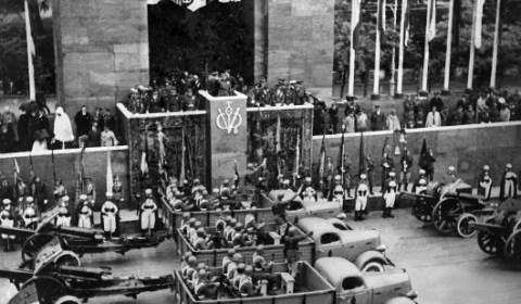 La España secuestrada: asesinatos, campos de concentración, expropiaciones, penales de presos, robo de bebés y torturas – 80 años de la Guerra Civil