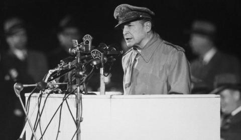 El General MacArthur y su plan nuclear para doblegar a China