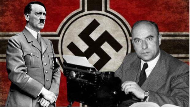 Otto Strasser (derecha), en un montaje junto a Hitler y la bandera del partido nazi - ABC