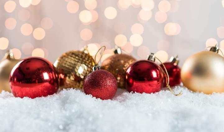 kerstballen rood
