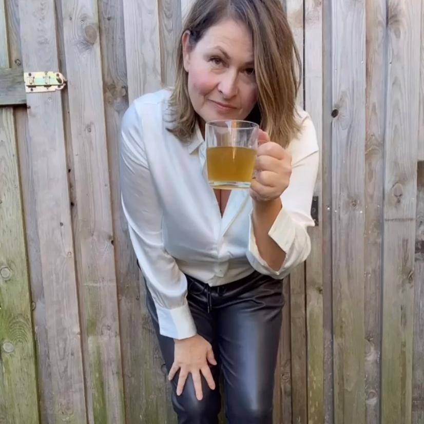 kop thee in de tuin