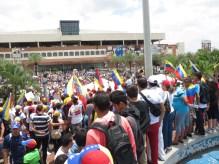 Ciudadanos deciden tomar la Plaza Monumental CVG. 24M 2014.