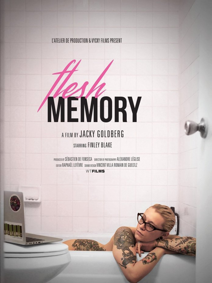 Flesh memory, Flesh memory: un portrait de Finley Blake, maman et camgirl