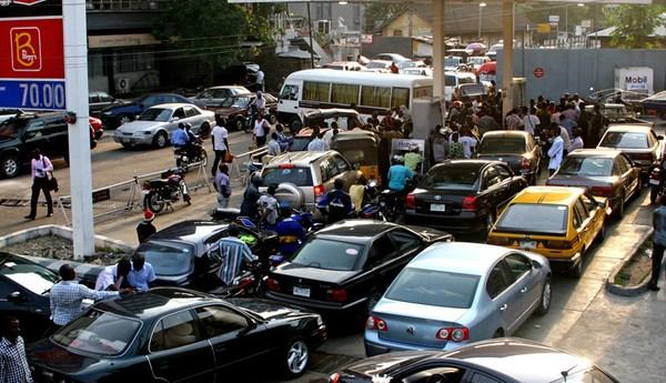 Nigeria Fuel Scarcity:  Petrol Sells N2,500 a Litre in Black market