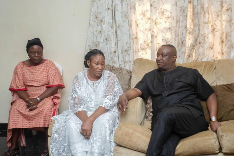 Keyamo pays condolence visit to late Ramsey Mowoe's family