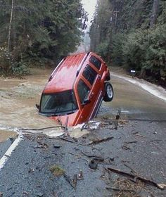 8ece43f8a1b9848af0658ceac3804e51 flooded roads best funny pictures
