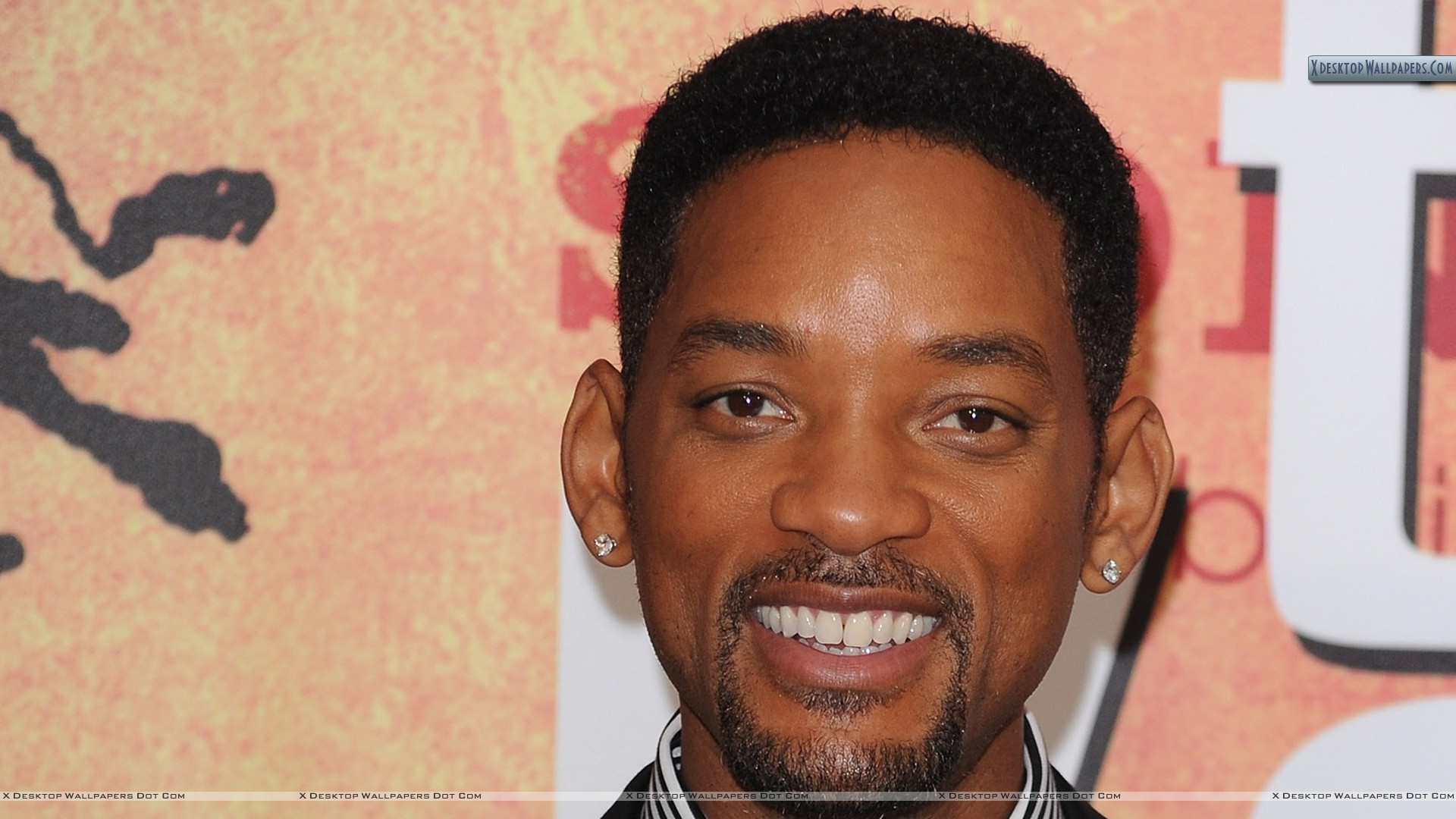 Will Smith Smiling & Looking Front Closeup Wallpaper