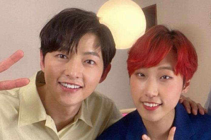 Cover - Song Joong Ki surprised JaeJae with a super-sweet gift!