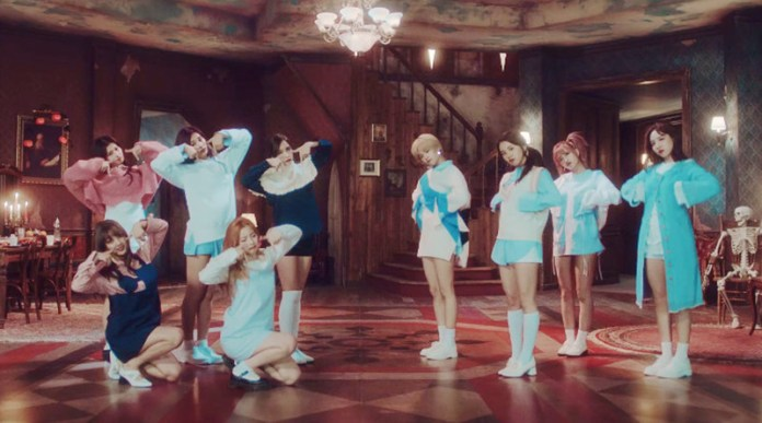"""Pic 2 - Meaning of TWICE's """"TT"""""""