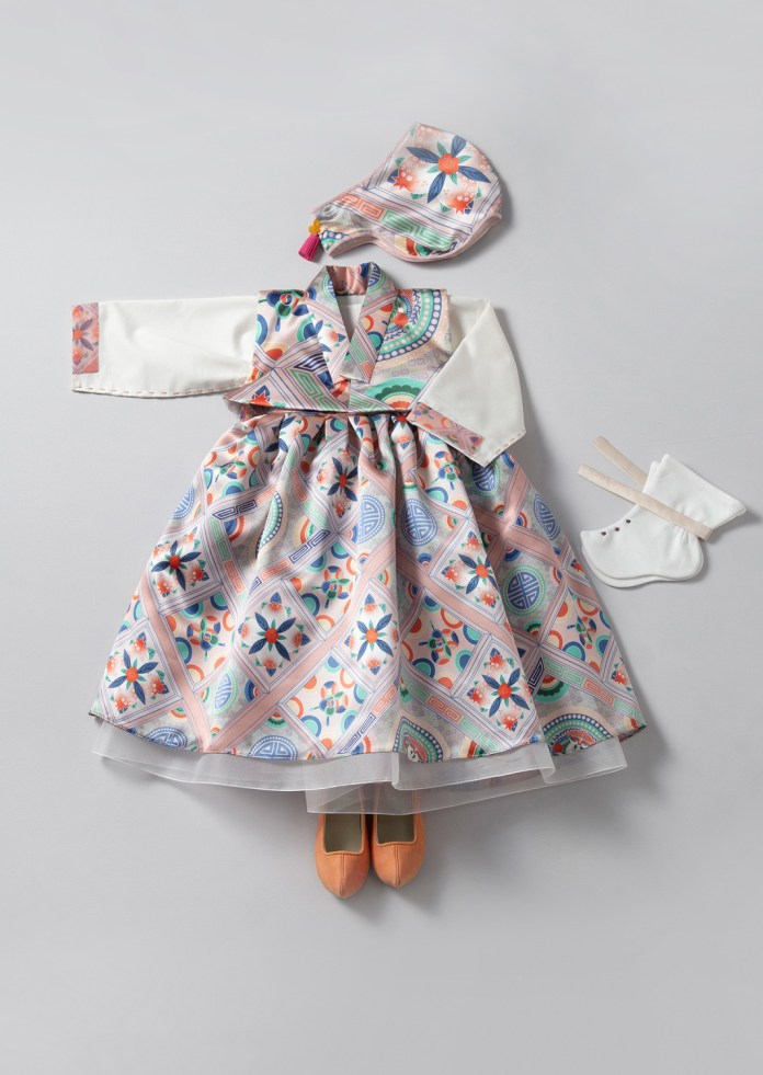 Pic 3 - Let's check some modern hanbok brands!