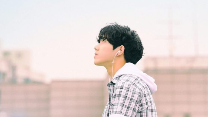 Pic 1 - Let's check Dowoon's profile!