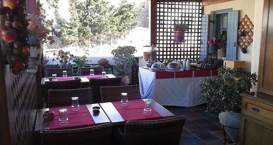 Xenonas Afroditi Hotel Loutra Loutra Kythnos Greece