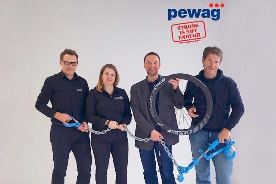 XeNTiS-Pewag-Racing-Team-Partner