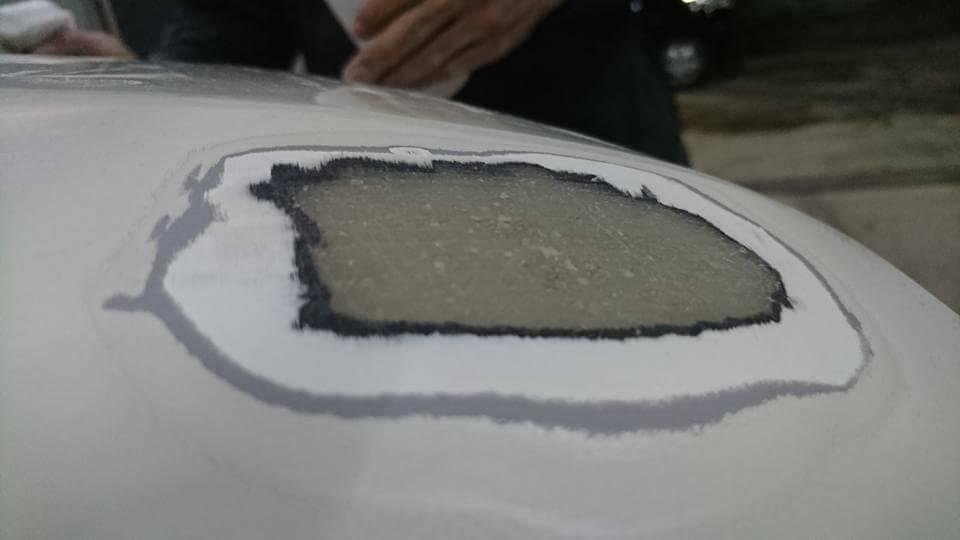 和泉市・泉大津市の鈑金塗装!事故修理・補修。格安プランもオススメ♪Y50フーガ エアロリヤバンパー修理FRP割れ自作DIYの参考に。