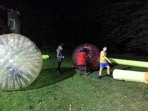 En-el-interior-de-esferas-XP-Camp-2016-UK-300x225