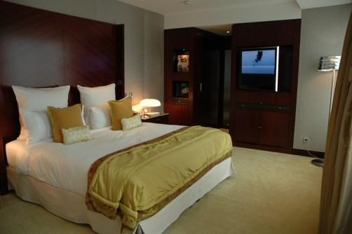 Mandarin Oriental Junior Suite bedroom