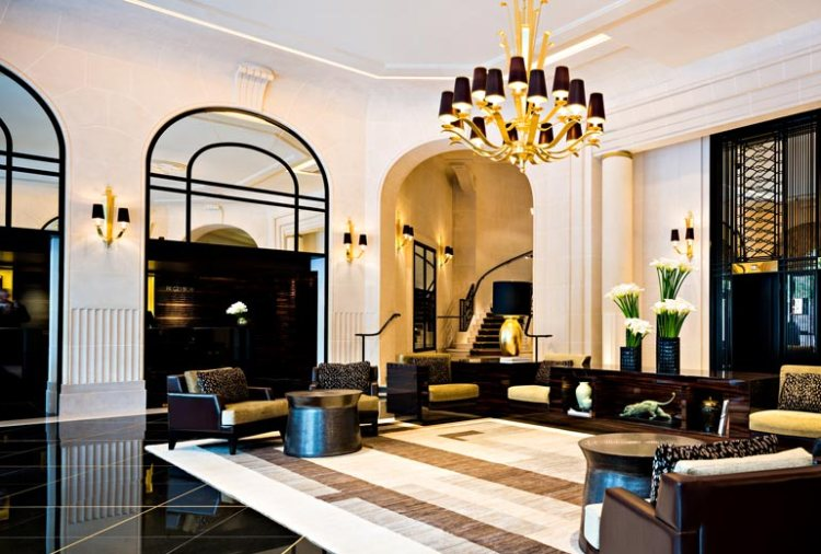 PDG Paris lobby