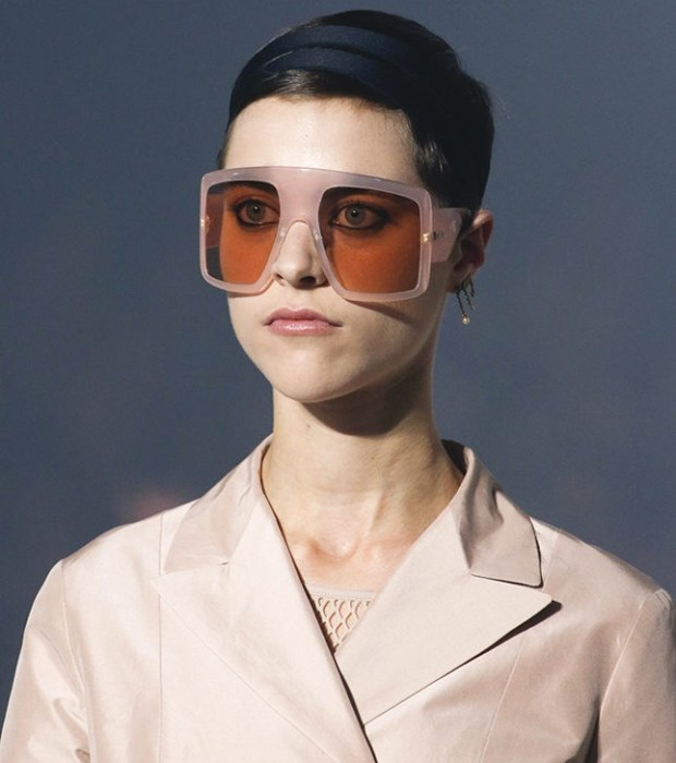 Eyewear Trends 2020.Women S Sunglasses 2019 2020 Trends Eyewear For Your Face Shape