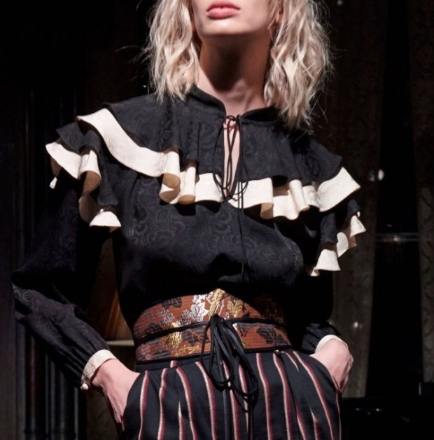Blouse with frills on shoulders