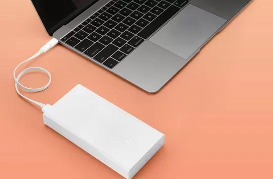 Conectarea unei baterii externe Xiaomi la un laptop