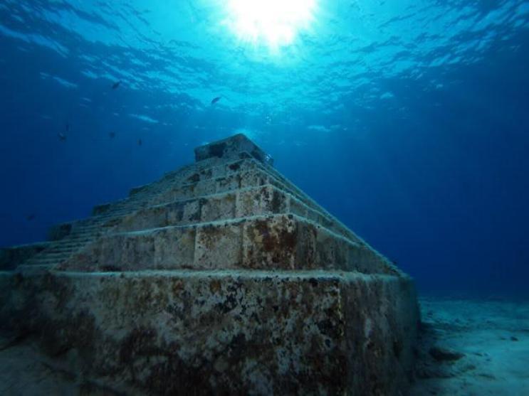 Pirámides de Yonaguni Cr. Contruir TV