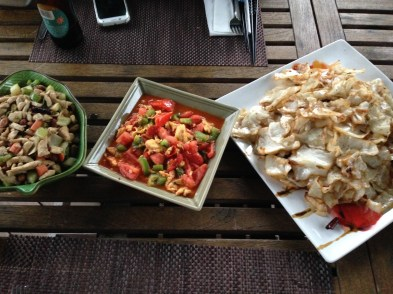 Homemade Kung pao chicken, tomato and eggs, cabbage