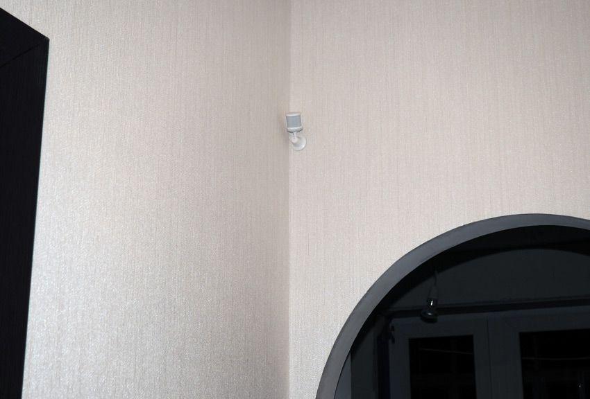 Датчик движения Xiaomi на стене