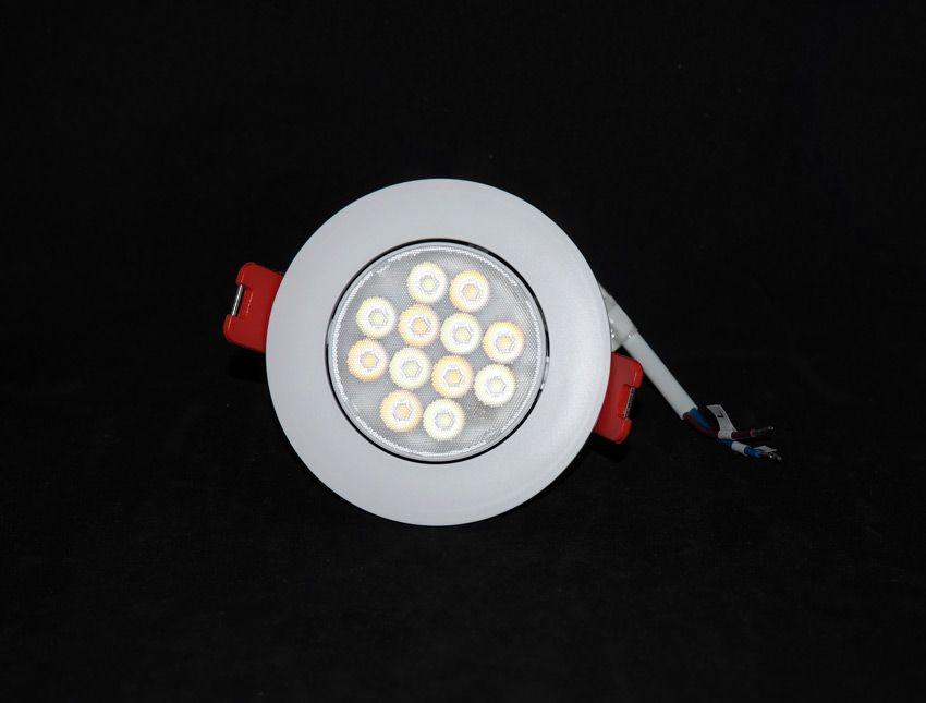 Точечный светильник Yeelight с наклоном