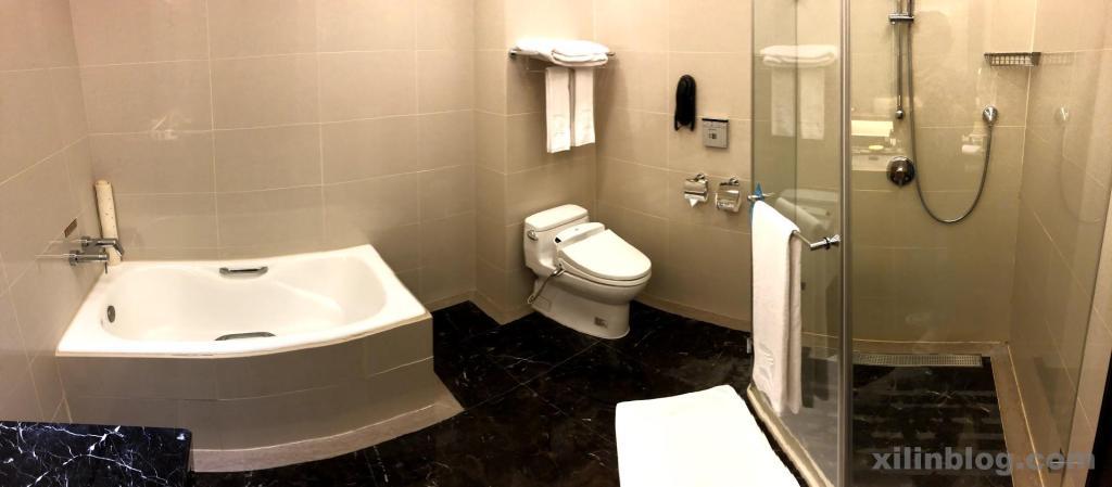 ザ・グランドホテル台北のプレステージ ホライズンルームのバスルーム