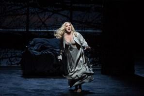 Anna Netrebko (Lady Macbeth) Fotografia de Marty Sohl/Metropolitan Opera