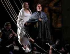 Eva Maria Westbroek (Desdemona) i Gregory Kunde (Otello) a Peralada. Fotografia © Miquel González / Shooting