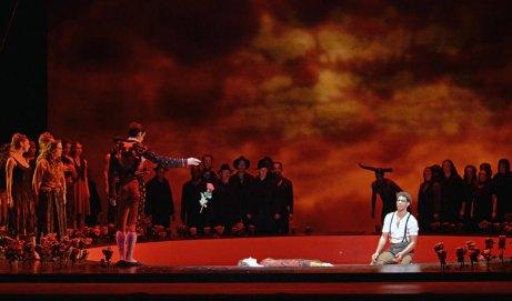 Carmen, ballet de Carlos Acosta (final) Fotografia © Dave Morgan